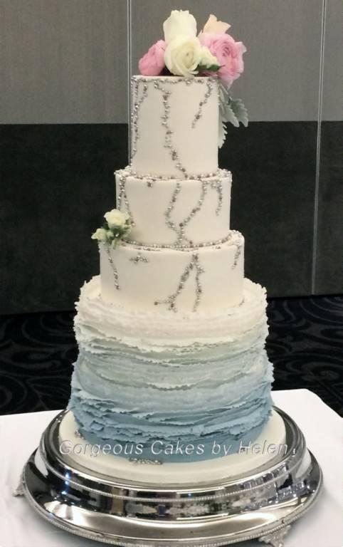 wedding cake by Helen