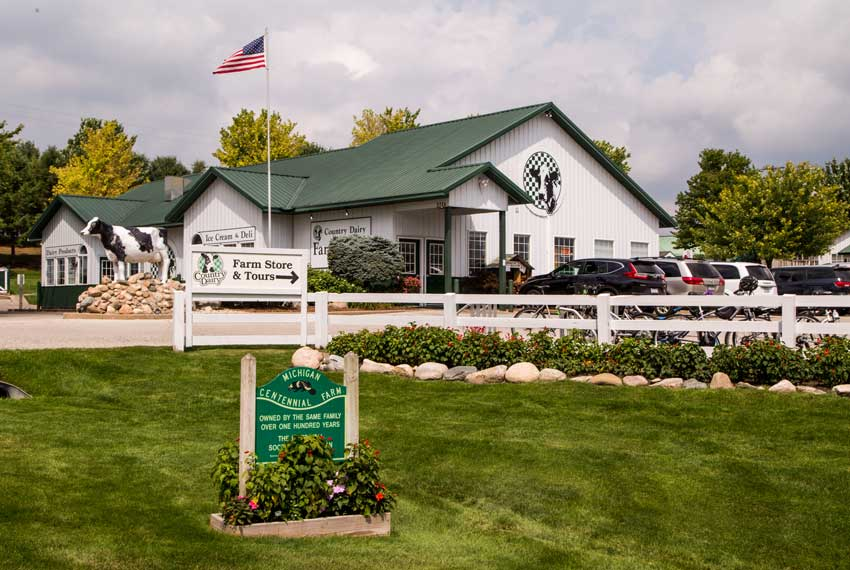 country dairy store and restaurant in new era michigan