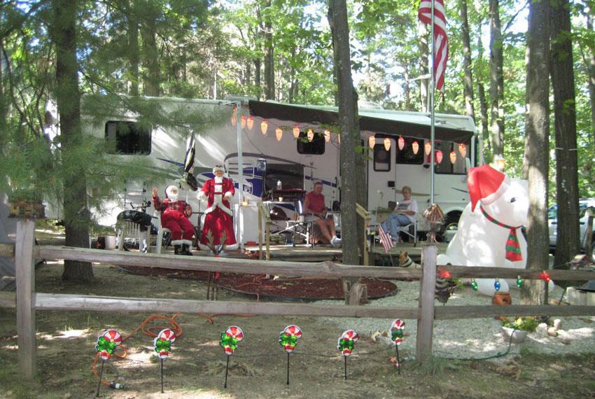 holiday camping resort in new era michigan