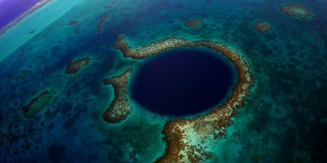Belize_dive-site-the-blue-hole-01-big (640x320)
