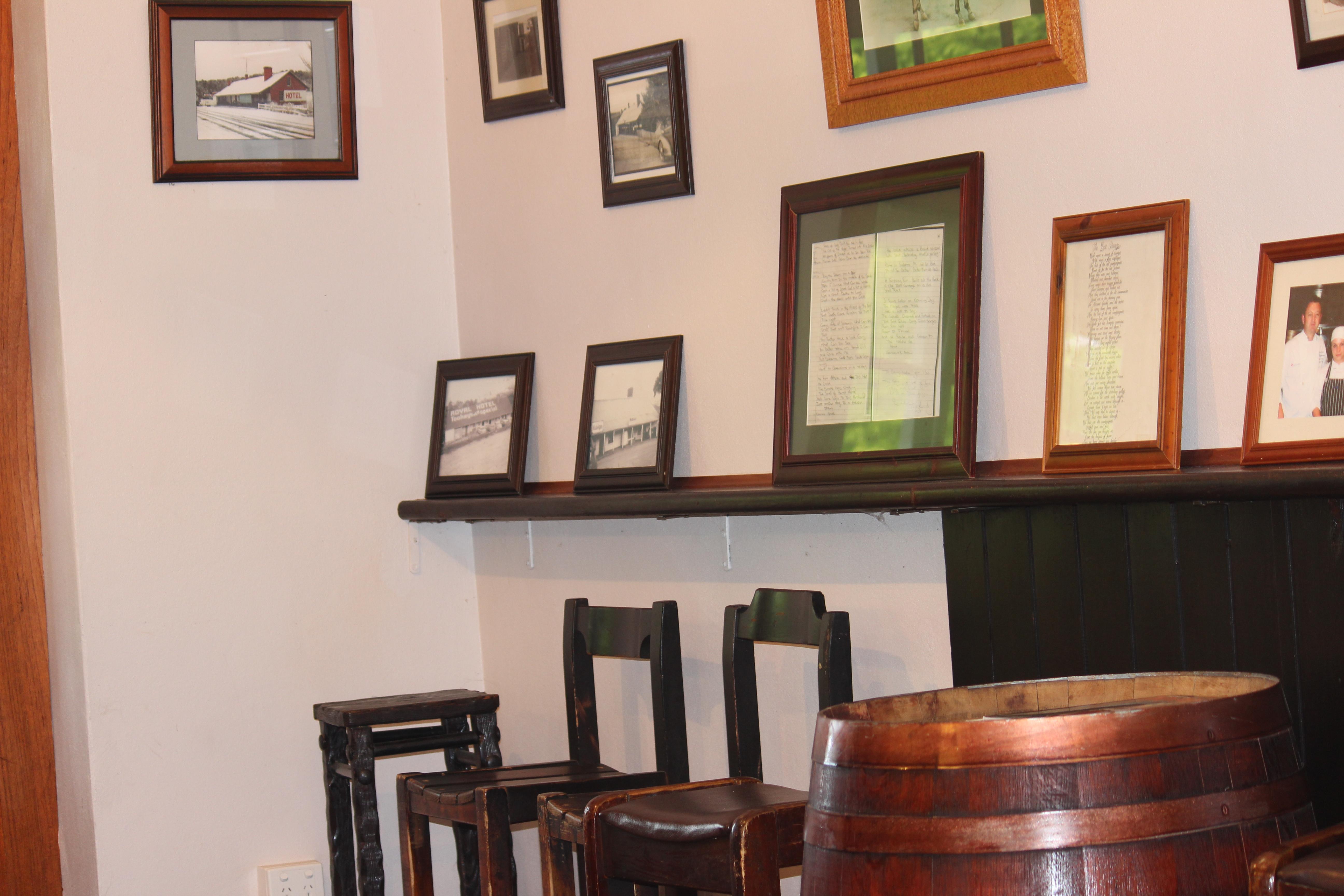 3. Bar Wall