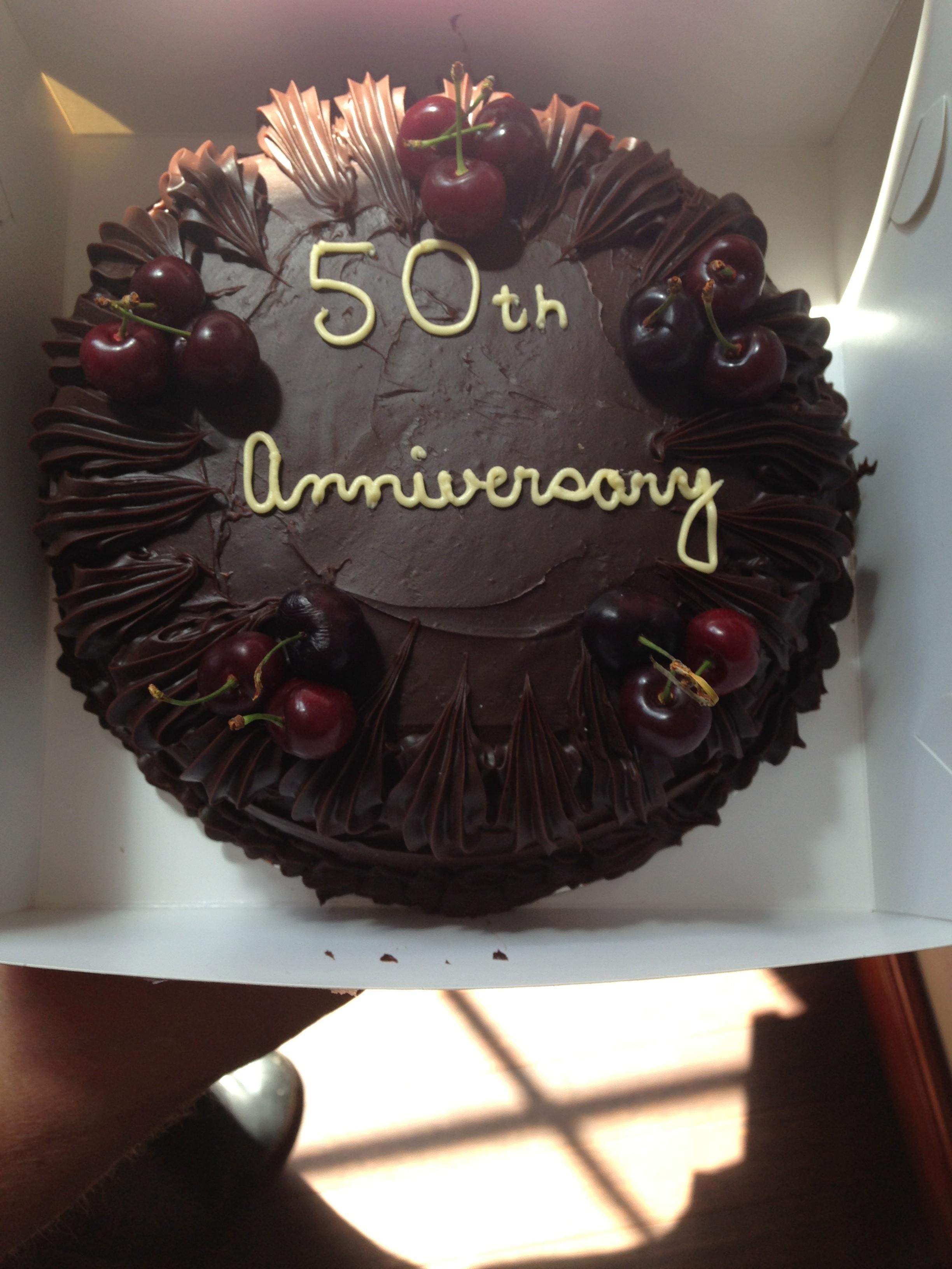 4. Anniversary Cake