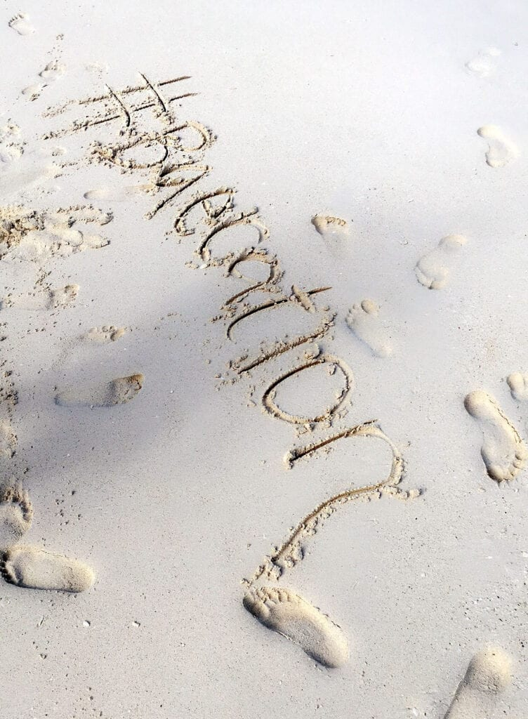 #baecation writing in the sand in Cancun, Mexico