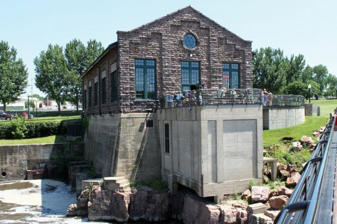 falls overlook cafe, sioux falls, sd