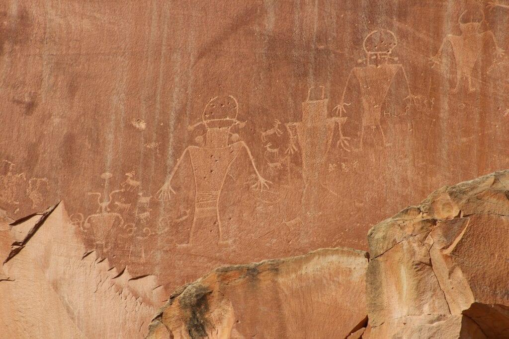 capitol reef petroglyphs