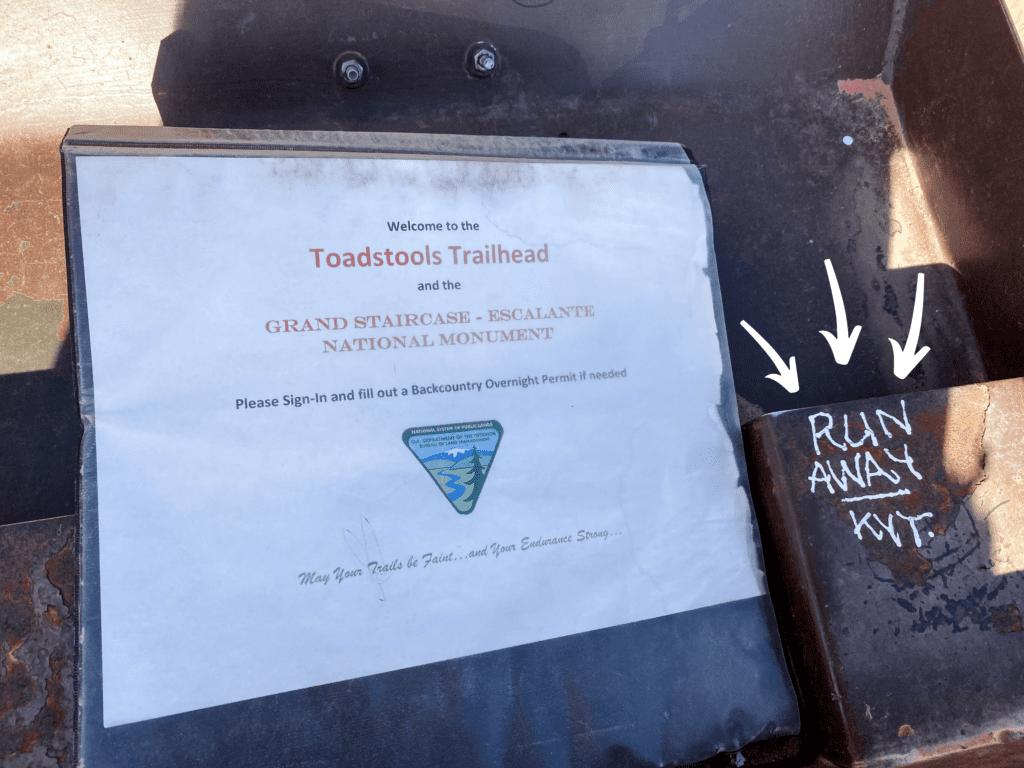 Toadstoool Hoodoos Trailhead