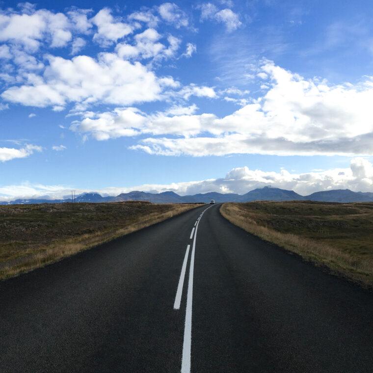 Roadtripping around Iceland in 9 days | www.thatssoannie.com