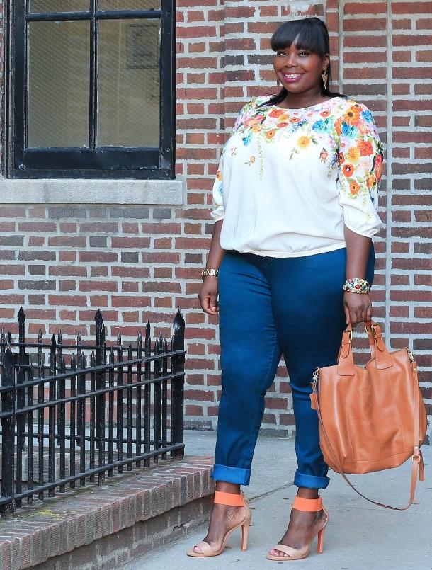 Alissa in Avenue Teal Jeans 2