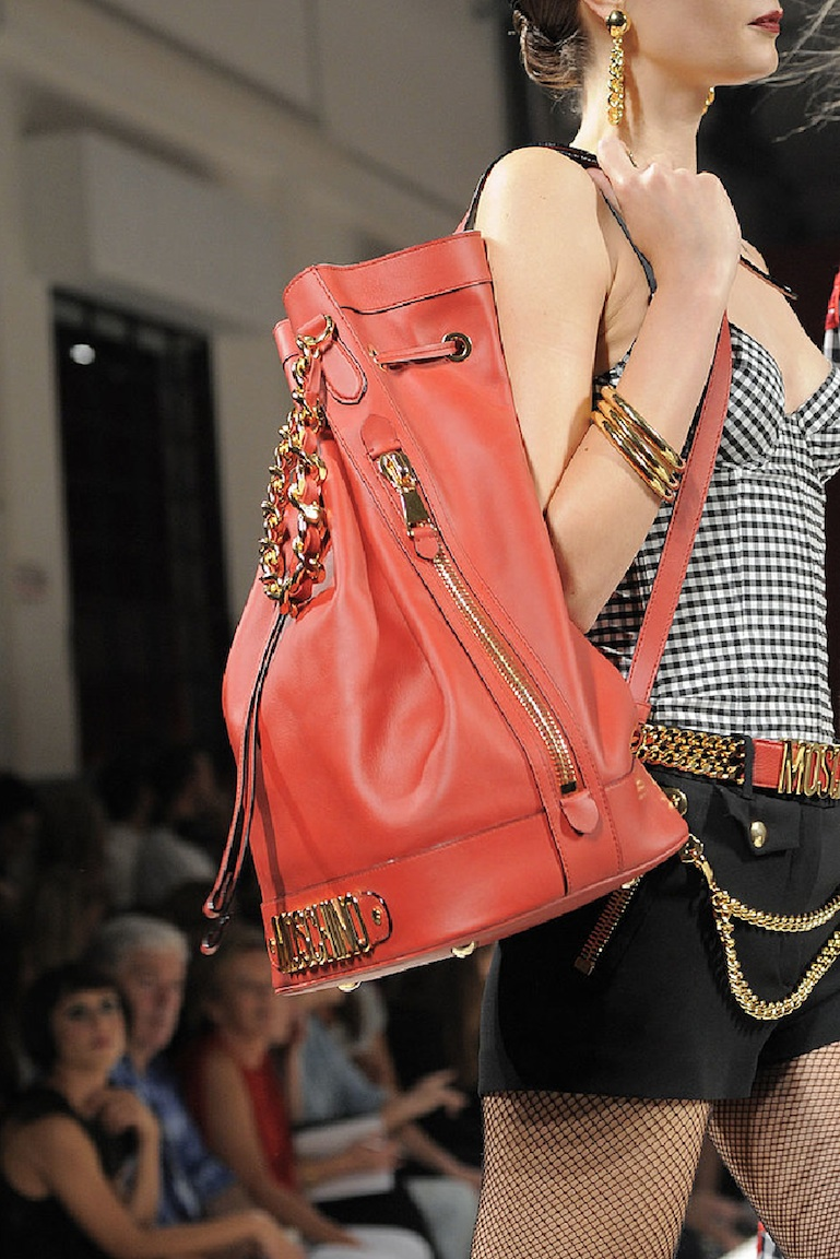 Moschino-Spring-2014-Runway-Show-Coral-Leather-Gold-Bucket-Bag-Trend