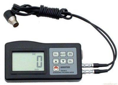 Ultrasonic thickness meter