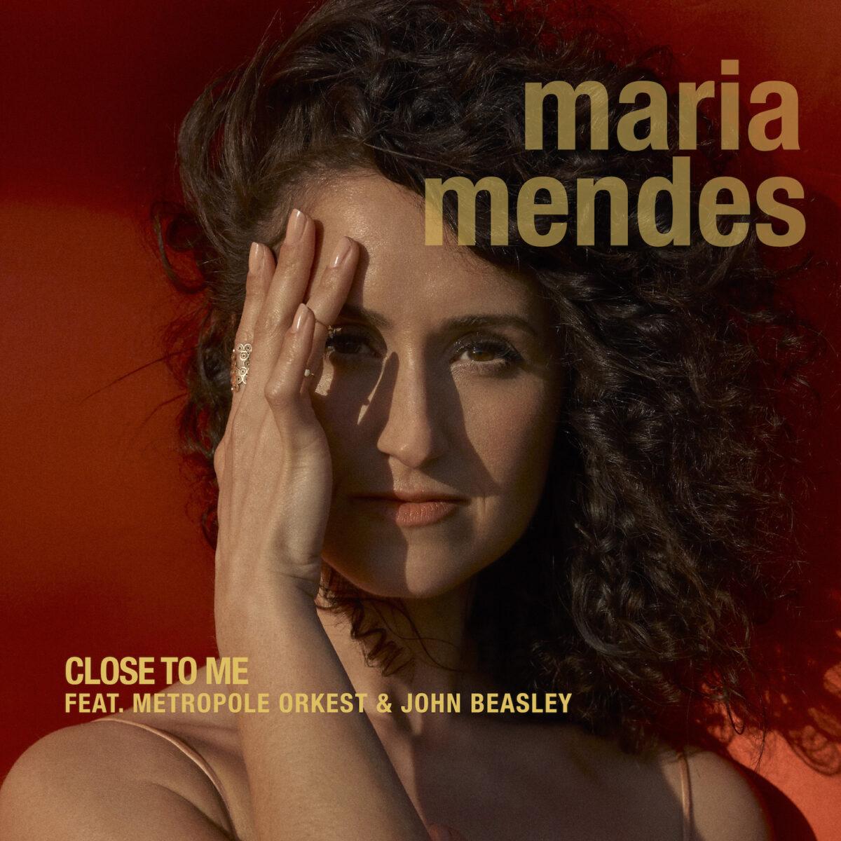"""""""Maria Mendes"""" Album Cover"""