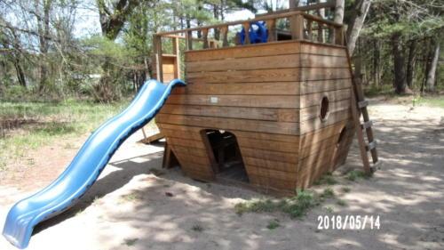 Ship Slide