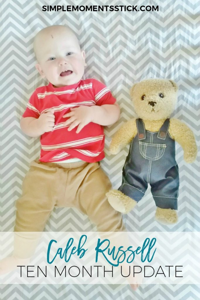 Check out this adorable monthly photo shoot!  Every month the kid has his picture next to his teddy!