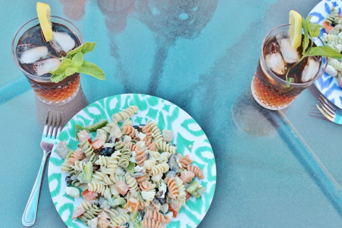Looking for an easy but creative summertime recipe? Try this creamy sweet tea pasta salad. I guarantee you won't be sorry!