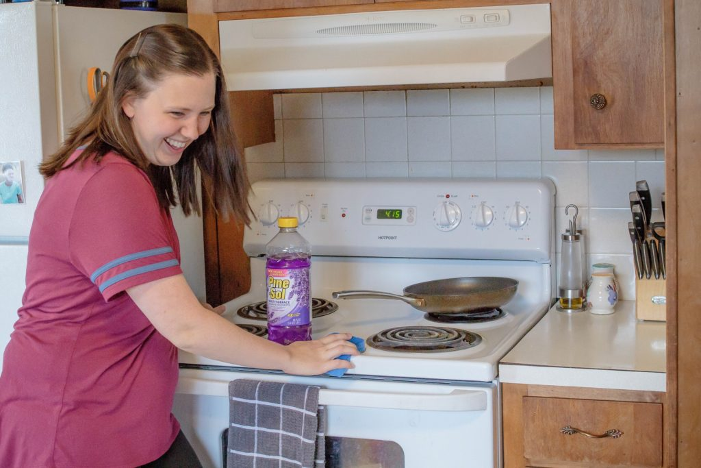 You need these tips so you can learn how to make cleaning fun for yourself! #cleaning #springcleaning #cleaningtime #clean #cleanhome #makecleaningfun