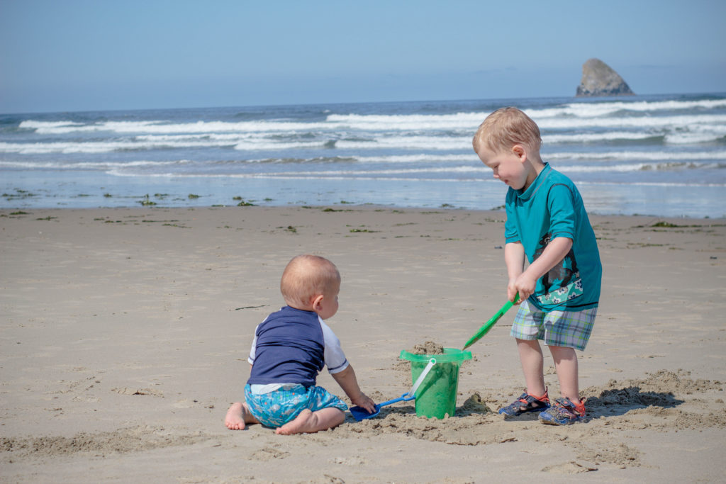 Wondering what to take to the Oregon Coast for your kiddos? This post has some important things to consider!