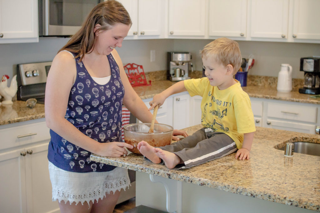 Great tips for cooking with preschoolers #cookingtips #preschool #preschooler #kitchen #kitchentips
