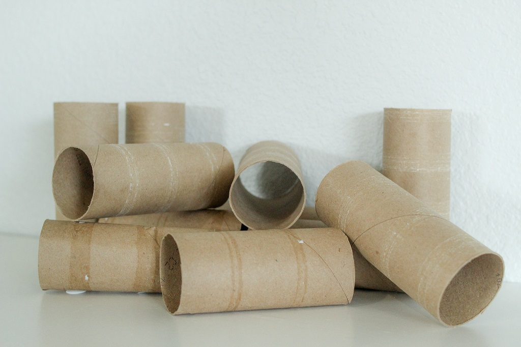 Things to do with toilet paper rolls