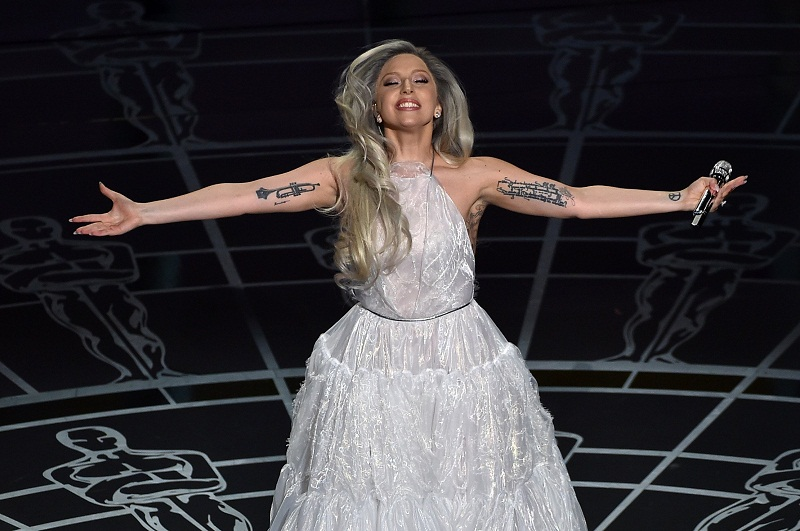 lady gaga em performance no oscar 2015