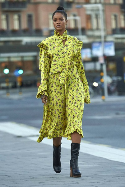 vetements dress yellow rihanna 2016