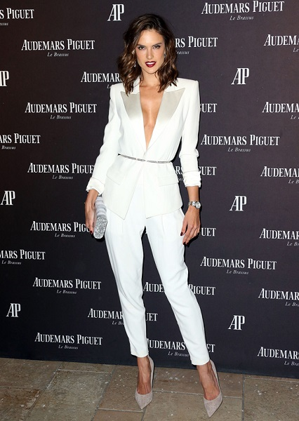 TERNINHO BRANCO NO RED CARPET ALESSANDRA AMBROSIO