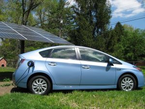 toyota-prius-with-solar-system