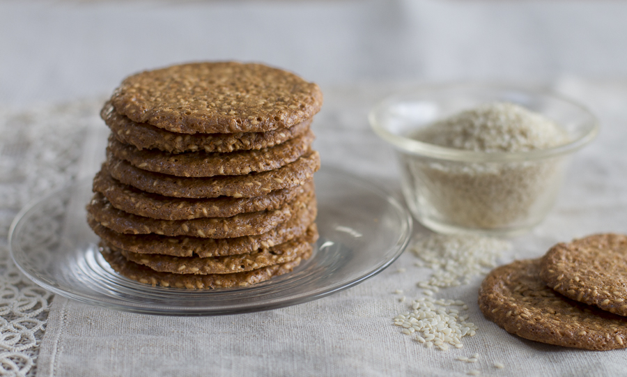 The nutty taste of the toasted sesame seeds (benne), a hint of sea salt, and the caramel sweet flavor from the coconut brown sugar sugar – a crunchy mélange of flavors in these easy to prepare treats… low in fat too!
