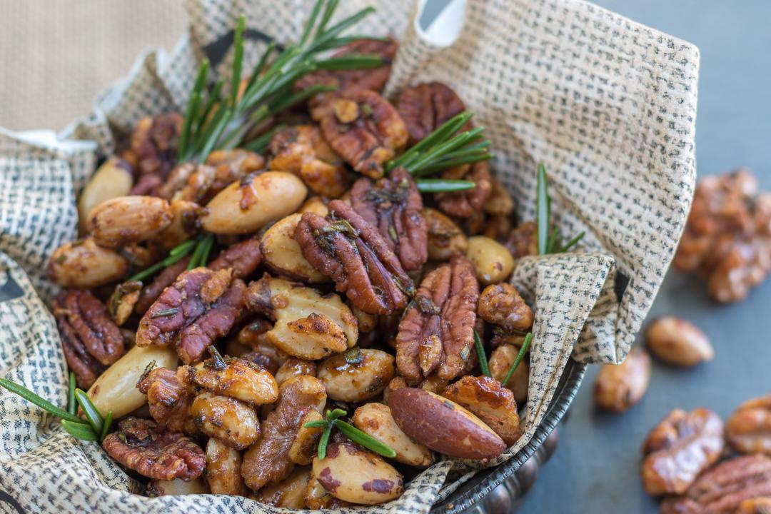 Rosemary & Spice Mixed Nuts