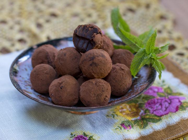 Fresh Mint Chocolate Truffles – Vegan