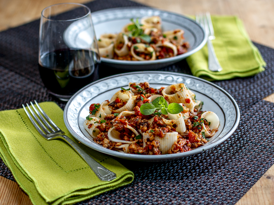 Bolognese Sauce with Tempeh and Mushrooms: It's Vegan!