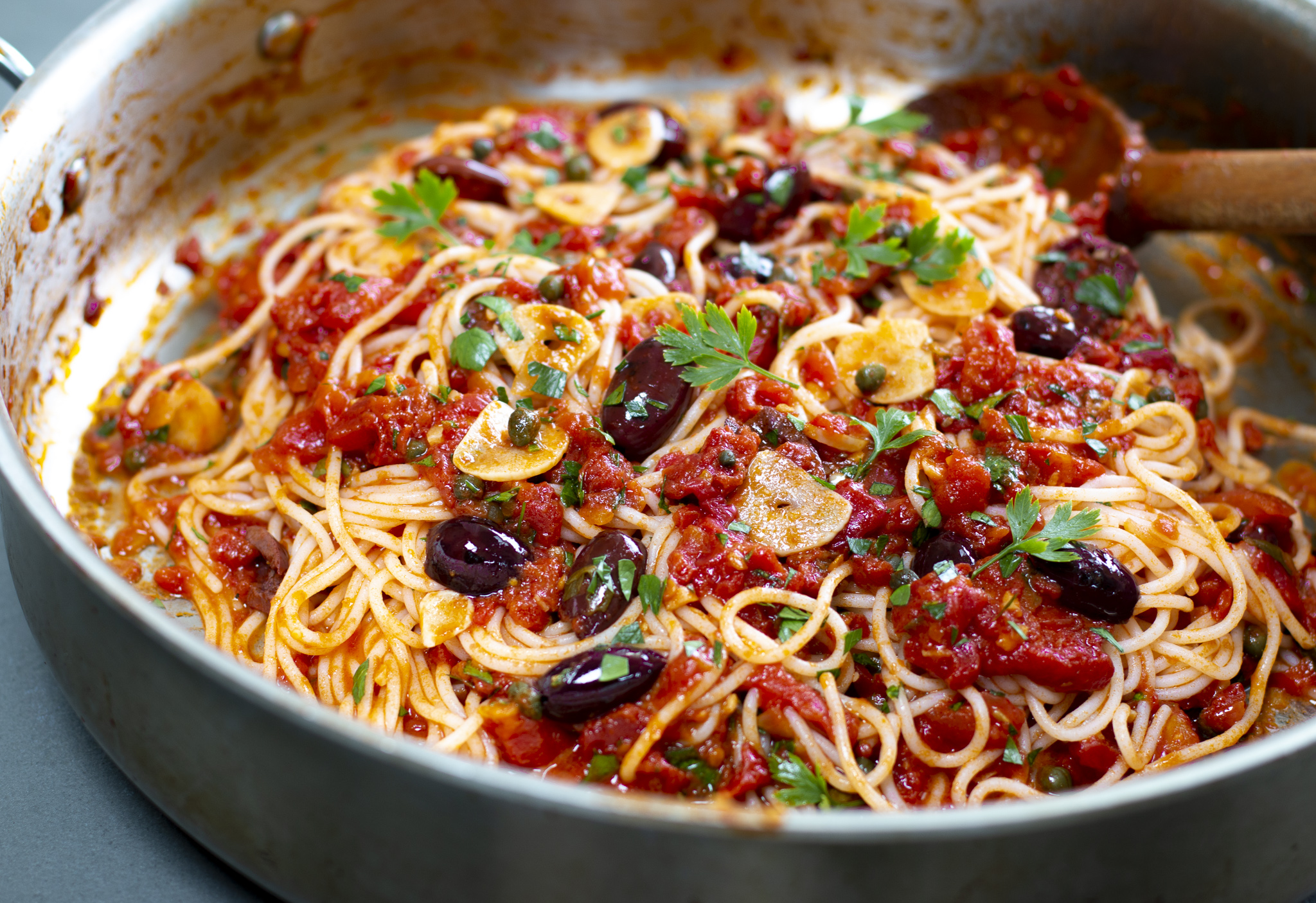 Karen's Pasta Puttanesca with Fresh Tomatoes