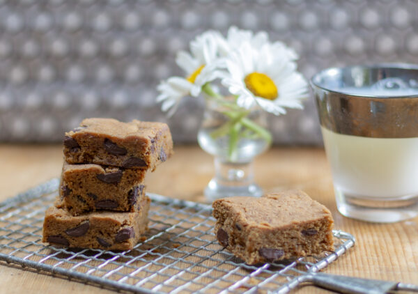 delicious gluten free blondies with Guittard baking chips