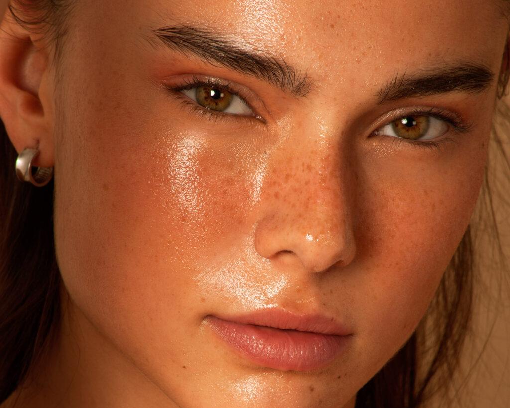 nilamée, dulcedo, model, Mégane Brunette, Élodie Bruel-Joncas, Beauty, skincare, beauté, freckles