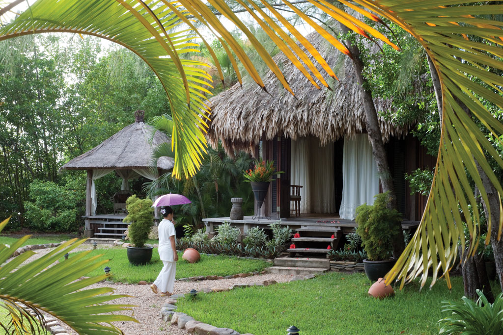 Turtle Inn – 6th Night Free Packages from $1315 – Placencia, Stann Creek
