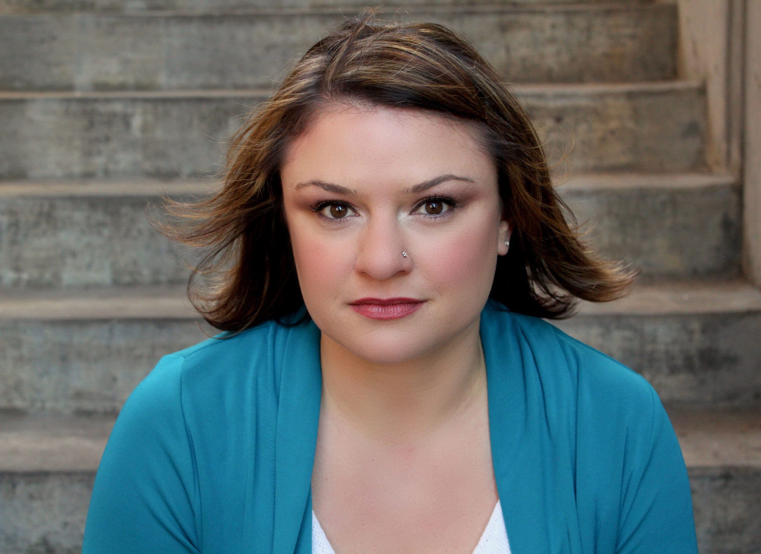 Meet the Cast of Fun Home: Behind the Curtain with Kelly Davis