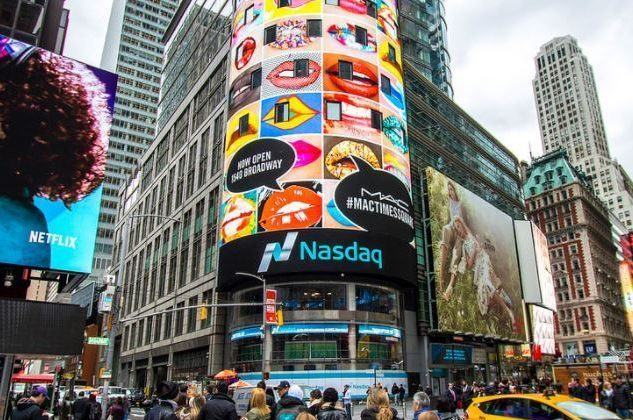 Times Square NASDAQ Tower_MAC Cosmetics_NYC