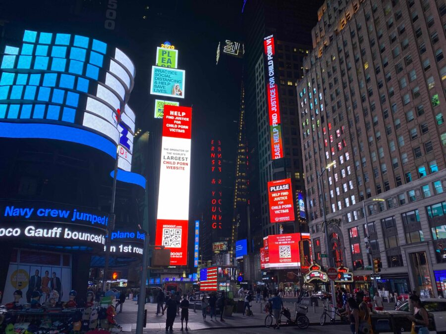 """Times Square """"The One"""" Thomson Reuters Digital Billboard Advertising"""