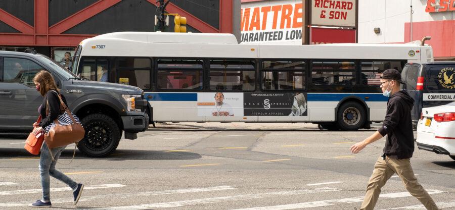 Soldi Sporchi Bus King Advertising