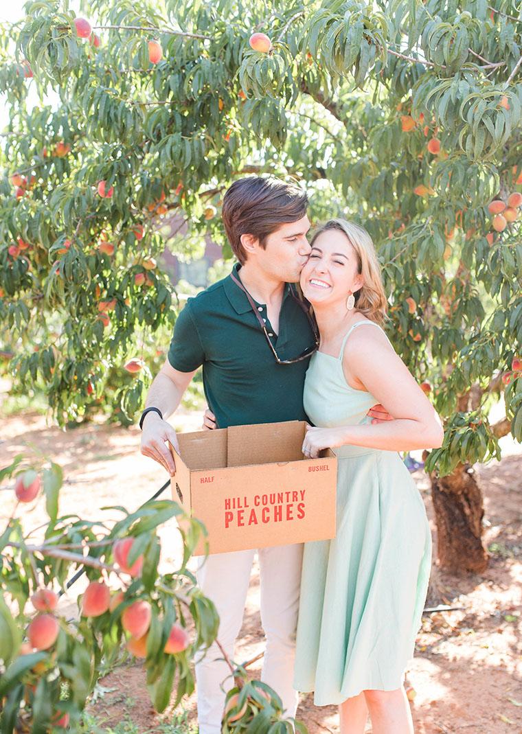 peach picking in fredericksburg