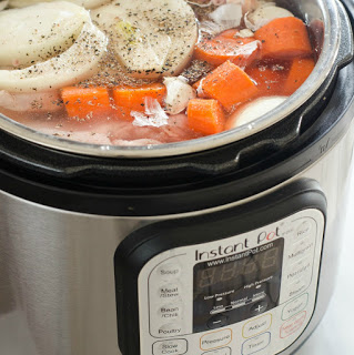 How to Make Chicken Bone Broth (And Where to Buy It)