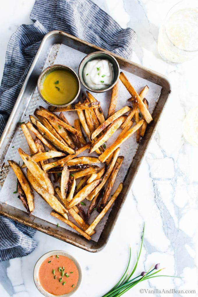 From above view of fries on a baking sheet.