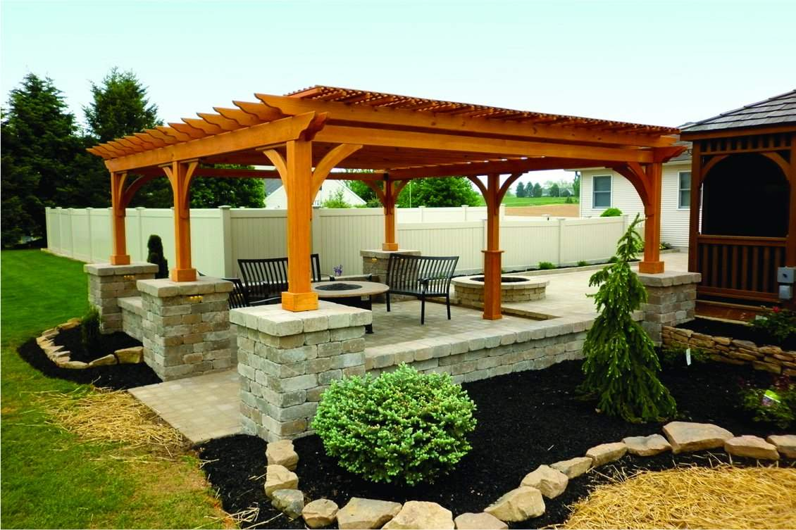 Traditional Wood Pergola with Lattice on top