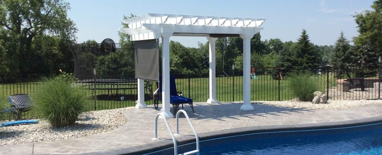 Artisan Pergola with EZ Shade