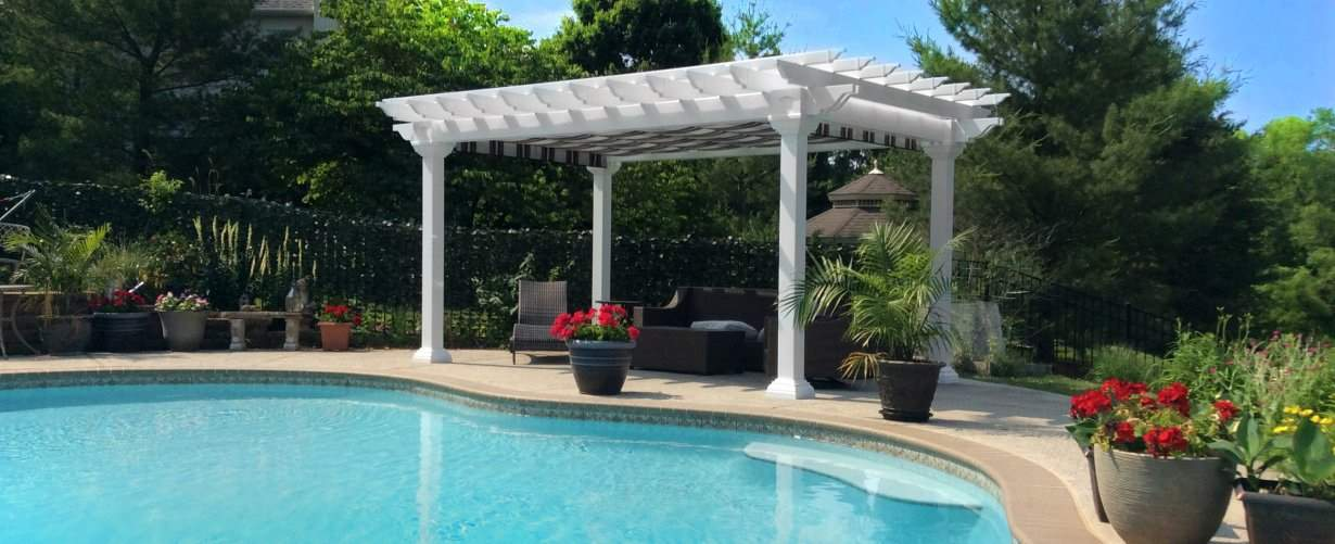 Artisan pergola vinyl with shade