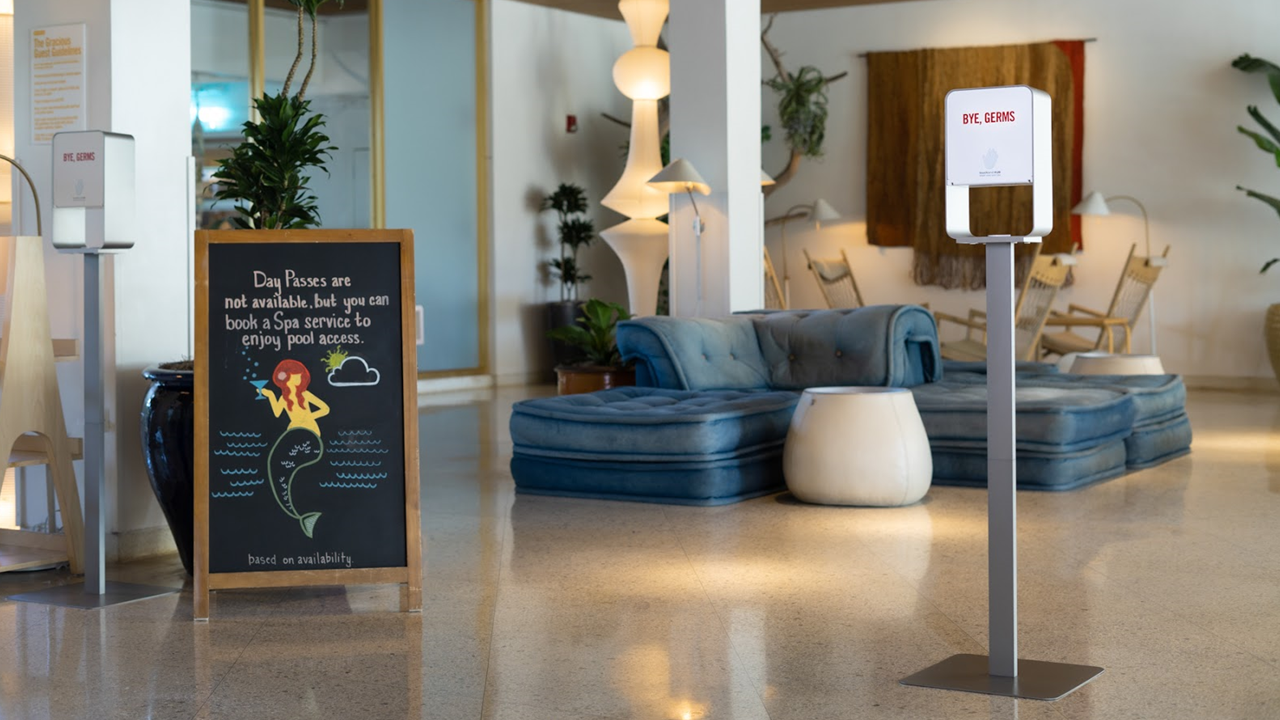 How Advanced Hand Sanitizer Solutions Enhance the Hotel Guest Experience