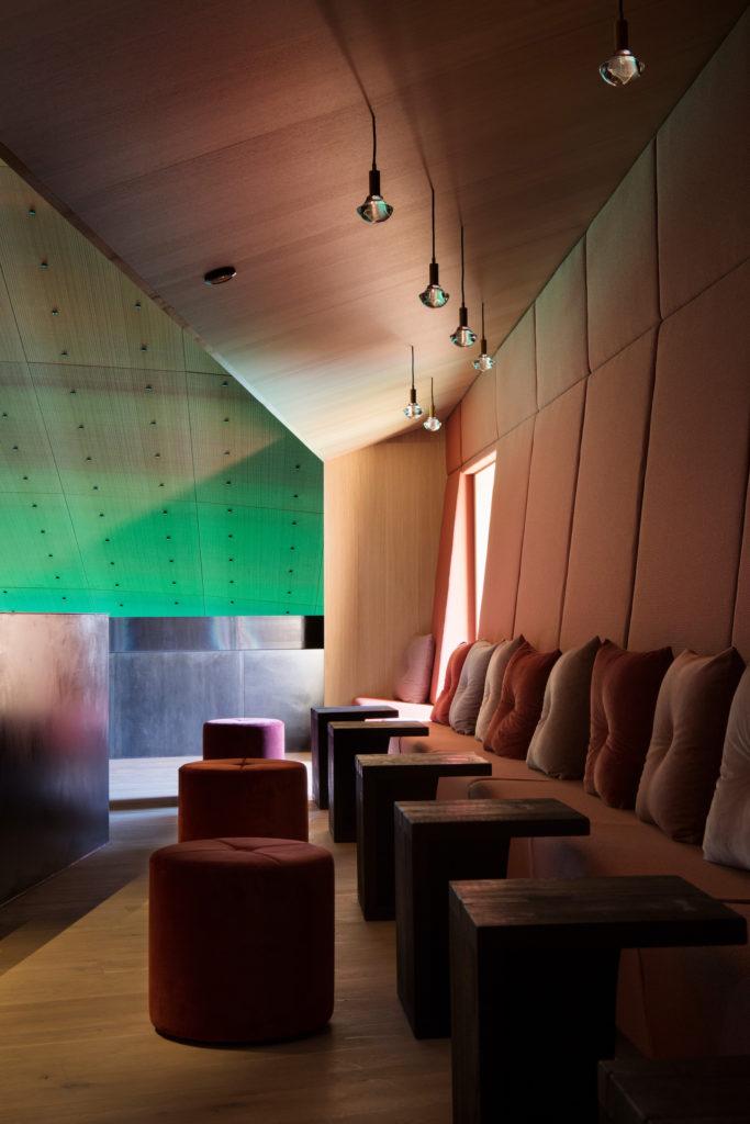 Under restaurant seating arrangement