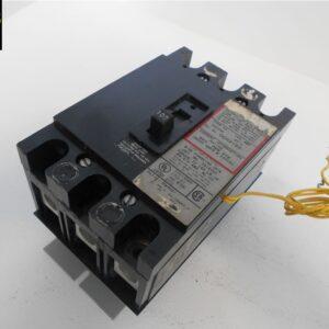 SQUARE D QO 3 POLE 100 AMP QO31001021 CIRCUIT BREAKER W// SHUNT TRIP