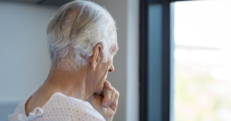 covid symptoms in seniors