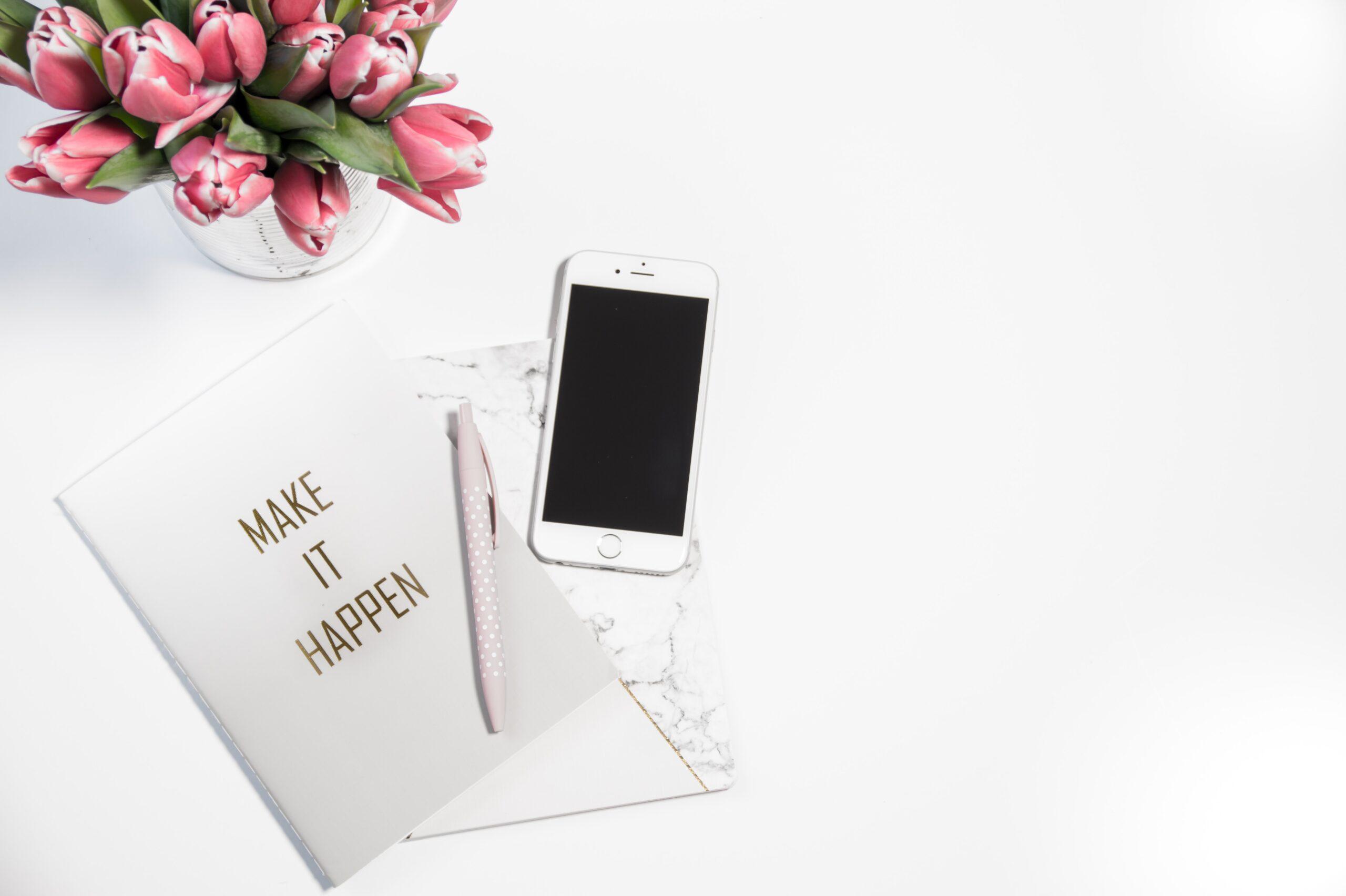 iphone-desk-planner-ChicDivaGeek