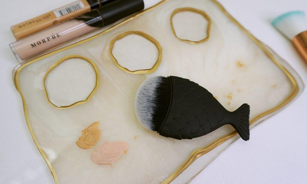 Carli D - Makeup Mixing Tray